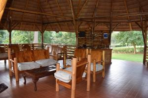 A restaurant or other place to eat at Kibale Guest Cottages
