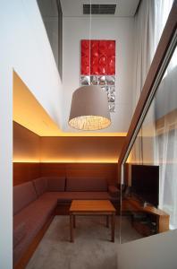 Ein Sitzbereich in der Unterkunft Shibuya Granbell Hotel