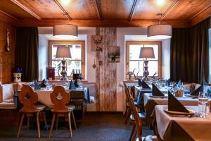 A restaurant or other place to eat at Haus Tirol Ehrwald