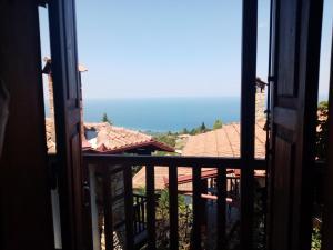 Γενική θέα στη θάλασσα ή θέα στη θάλασσα από  αυτό το διαμέρισμα