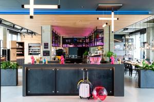 The lounge or bar area at Moxy Utrecht