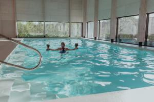 The swimming pool at or close to Ons Buiten