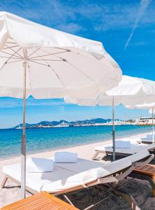 المسبح في فندق باريير لو غري دي ألبيون أو بالجوار