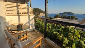 A balcony or terrace at Violetta Apartments