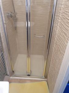 A bathroom at Catford Ardgowan