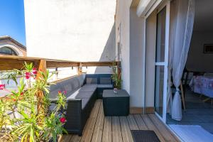 A balcony or terrace at Appartement Domloc