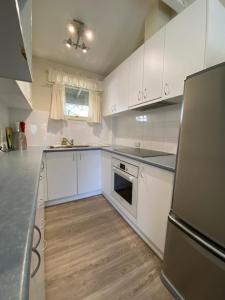 A kitchen or kitchenette at Tyrola 2