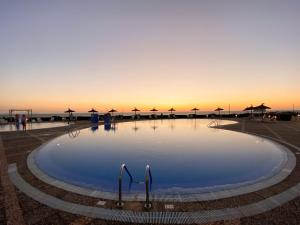 Бассейн в RVHotels Sea Club Menorca или поблизости
