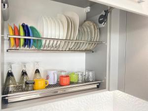 Кухня або міні-кухня у Arcadia new apartments