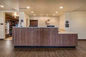 The lobby or reception area at Comfort Suites Broomfield-Boulder/Interlocken