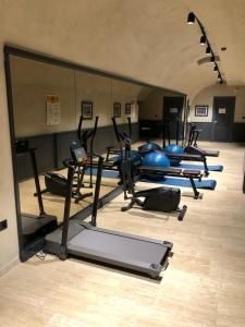 The fitness center and/or fitness facilities at Ferman Port Hotel