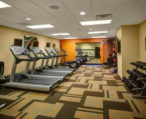 The fitness center and/or fitness facilities at Courtyard Columbus Downtown