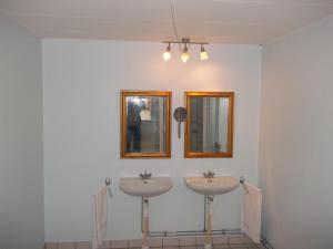 A bathroom at Børglum Mejeri Holiday Apartment