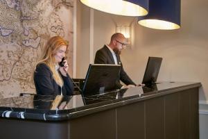 Lobbyen eller receptionen på Jørgensens Hotel