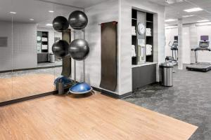 The fitness centre and/or fitness facilities at Fairfield Inn & Suites by Marriott Queensbury Glens Falls/Lake George