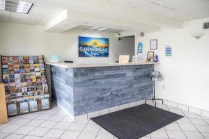 The lobby or reception area at Sandcastle Inn