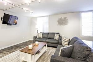 A seating area at 731 East Durant Avenue Condo Unit 22