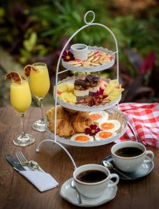 Breakfast options available to guests at Rango Hostel Boutique