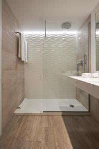 Un baño de Ibiza Corso Hotel & Spa