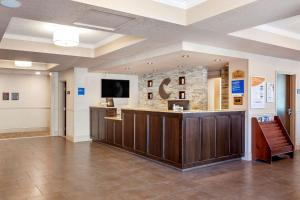 The lobby or reception area at Comfort Inn & Suites Thousand Islands Harbour District