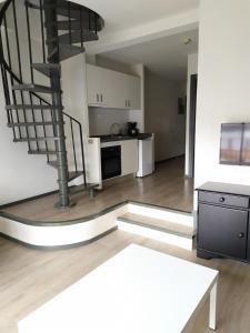 A kitchen or kitchenette at Apartamentos Hg Cristian Sur