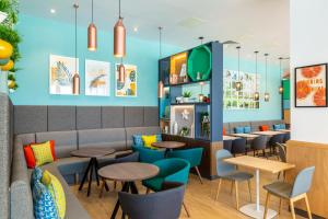 A restaurant or other place to eat at Holiday Inn - Dublin Airport, an IHG Hotel