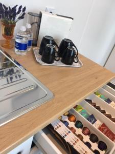 Cuisine ou kitchenette dans l'établissement Hotel 't Witte Huys Scheveningen