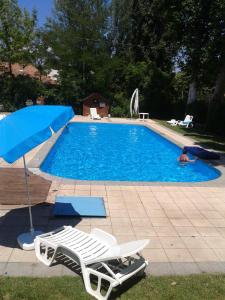 Bazén v ubytování Sommer Panzió nebo v jeho okolí