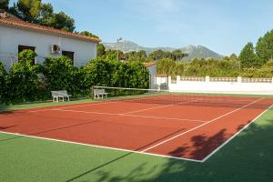 Tennis and/or squash facilities at Finca Soñada - Nudist Resort or nearby