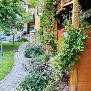 A garden outside Pension Gartner