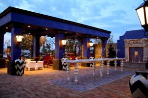 A restaurant or other place to eat at Hotel Encanto de Las Cruces