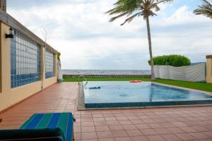 A piscina localizada em Mövenpick Al Nawras Jeddah - Family Resort ou nos arredores