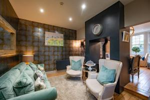 A seating area at No 33, HUNSTANTON- BED & BREAKFAST PICNIC