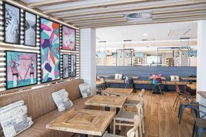 مطعم أو مكان آخر لتناول الطعام في Hotel Florida Magaluf - Adults Only