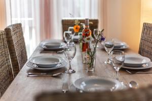 Ein Restaurant oder anderes Speiselokal in der Unterkunft Ols Berghaus