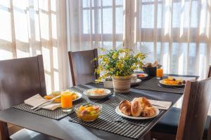 As opções de pequeno-almoço disponíveis para os hóspedes de Luna Chalets da Montanha - Serra da Estrela