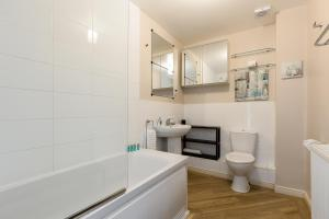 A bathroom at Bay Retreat