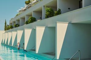 The swimming pool at or near Bluesun hotel Berulia
