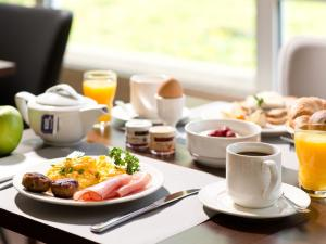 Breakfast options available to guests at ACHAT Hotel Zwickau