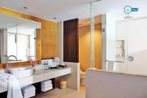 A bathroom at Sareeraya Villas & Suites - SHA Plus