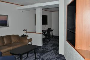 A seating area at Fairfield Inn & Suites Ukiah Mendocino County