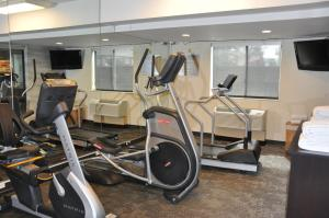 The fitness center and/or fitness facilities at Fairfield Inn & Suites Ukiah Mendocino County
