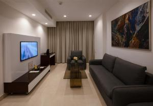 A seating area at Seas Hotel Amman
