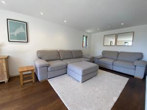 A seating area at No.10 Falmouth - 2 minutes walk to the beach