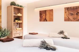Cama o camas de una habitación en Salles Hotel Aeroport de Girona