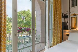 A balcony or terrace at B&B Hotel Treviso