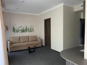 Гостиная зона в Aura Hotel & Spa