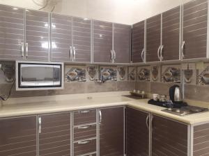 A cozinha ou cozinha compacta de Noor Grand