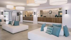 Hall o reception di Pollina Premium Resort