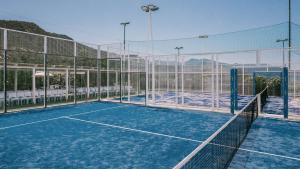 Attività di tennis o squash presso il resort o nelle vicinanze